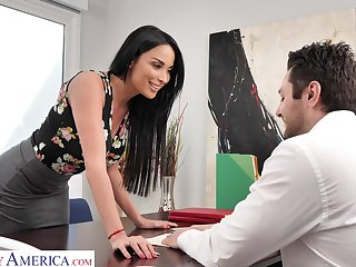 Jezebel ungentlemanly Anissa Kate offers herself sitting vulnerable the boss's table