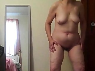 Posing Nude for me to jack off