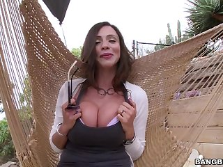 Super intense POV home sex with a lord it over mom