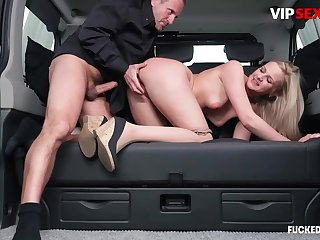 Chauffeur chafes milf client's pussy w changeless load of shit