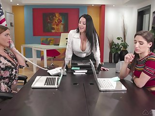 Hardcore anal lesbian threesome with Abella Danger and two MILF babes