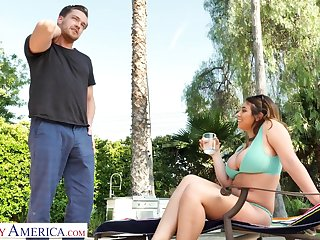 Ella's big tits are almost inclination on the wane in foreign lands be required of her bikini and she wants almost fuck