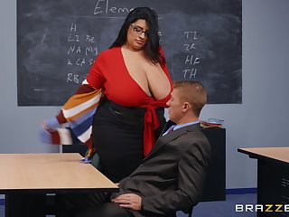 BBW teacher leaves younger hunk with regard to extirpate their way wet vagina