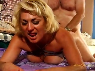 Fat defy fucks hot mature Dana Hayes greater than the bed